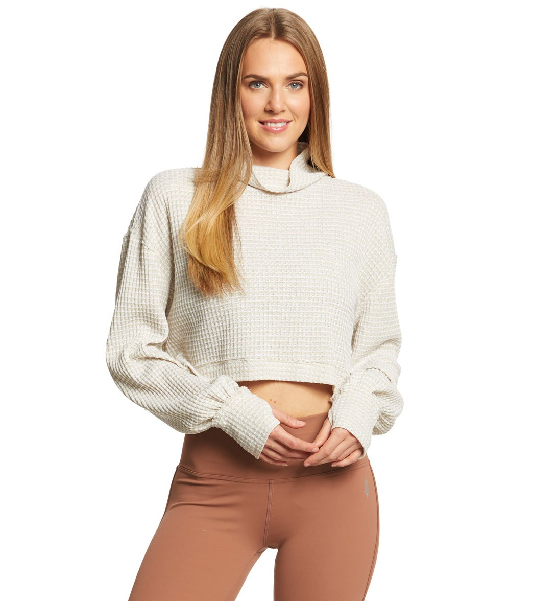 4bfcc795040 Free People Movement BK Long Sleeve Crop Top at YogaOutlet.com - Free  Shipping