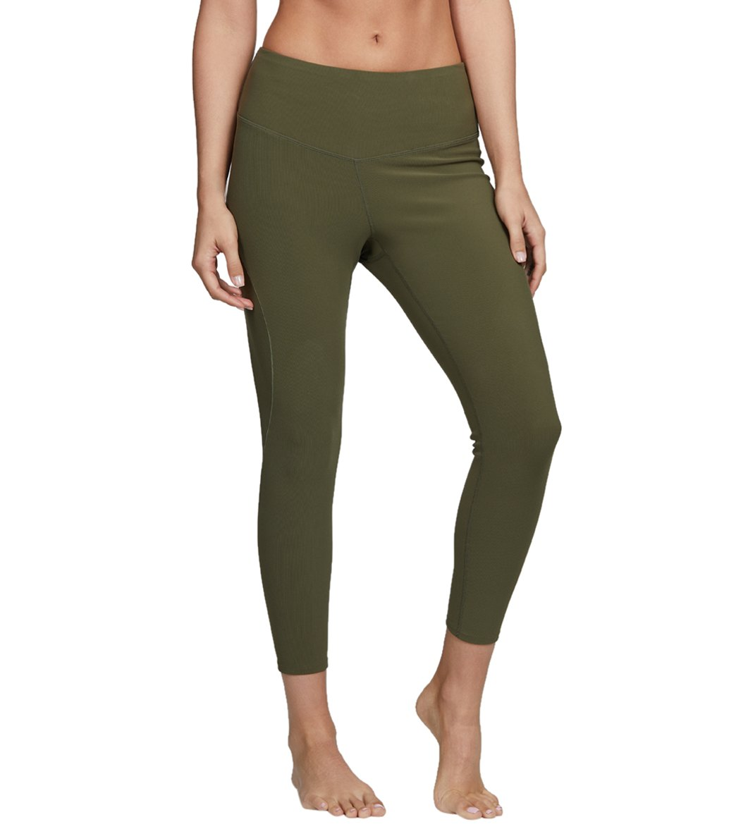 b35f1996481c Free People High Waisted Formation Yoga Leggings at YogaOutlet.com - Free  Shipping