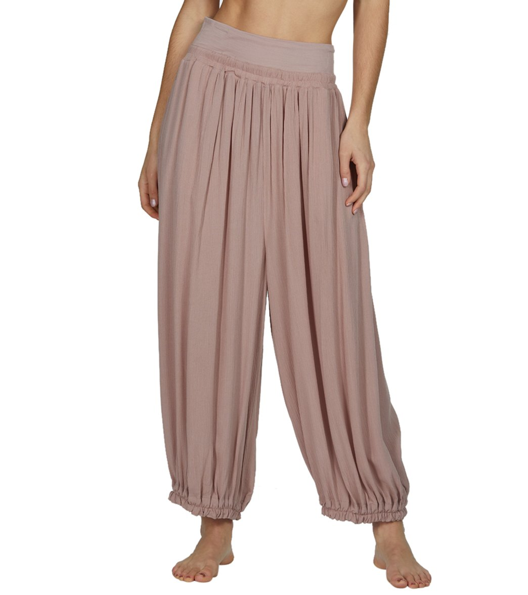 Free People Emery Pants at YogaOutlet.com - Free Shipping da07d0d64