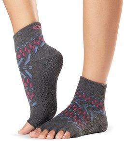 yoga-socks--gloves