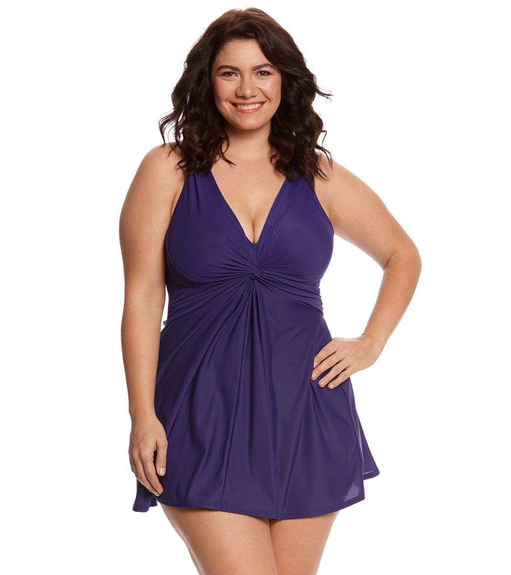 bb50d72ff8 How to Choose Flattering Plus Size Swimwear