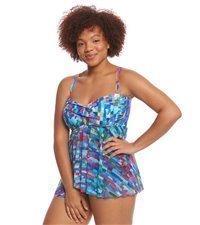 99a6bce0226 How to Choose Flattering Plus Size Swimwear