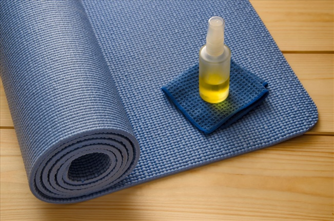 How To Wash And Break In Your Yoga Mat Yogaoutlet Com