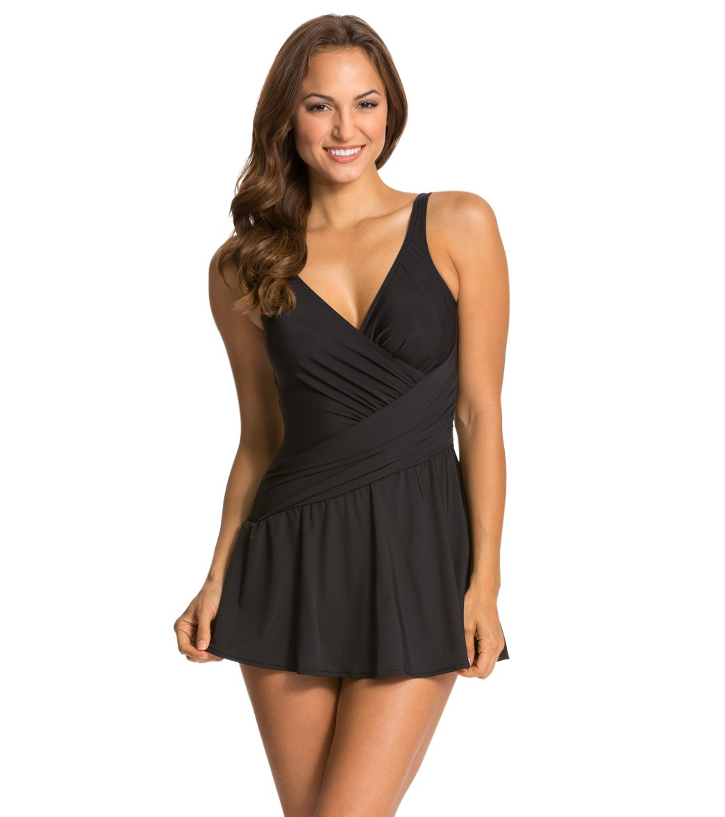 d55e293f598b3 ... Miraclesuit Solid Aurora Swimdress. Play Video. MODEL MEASUREMENTS
