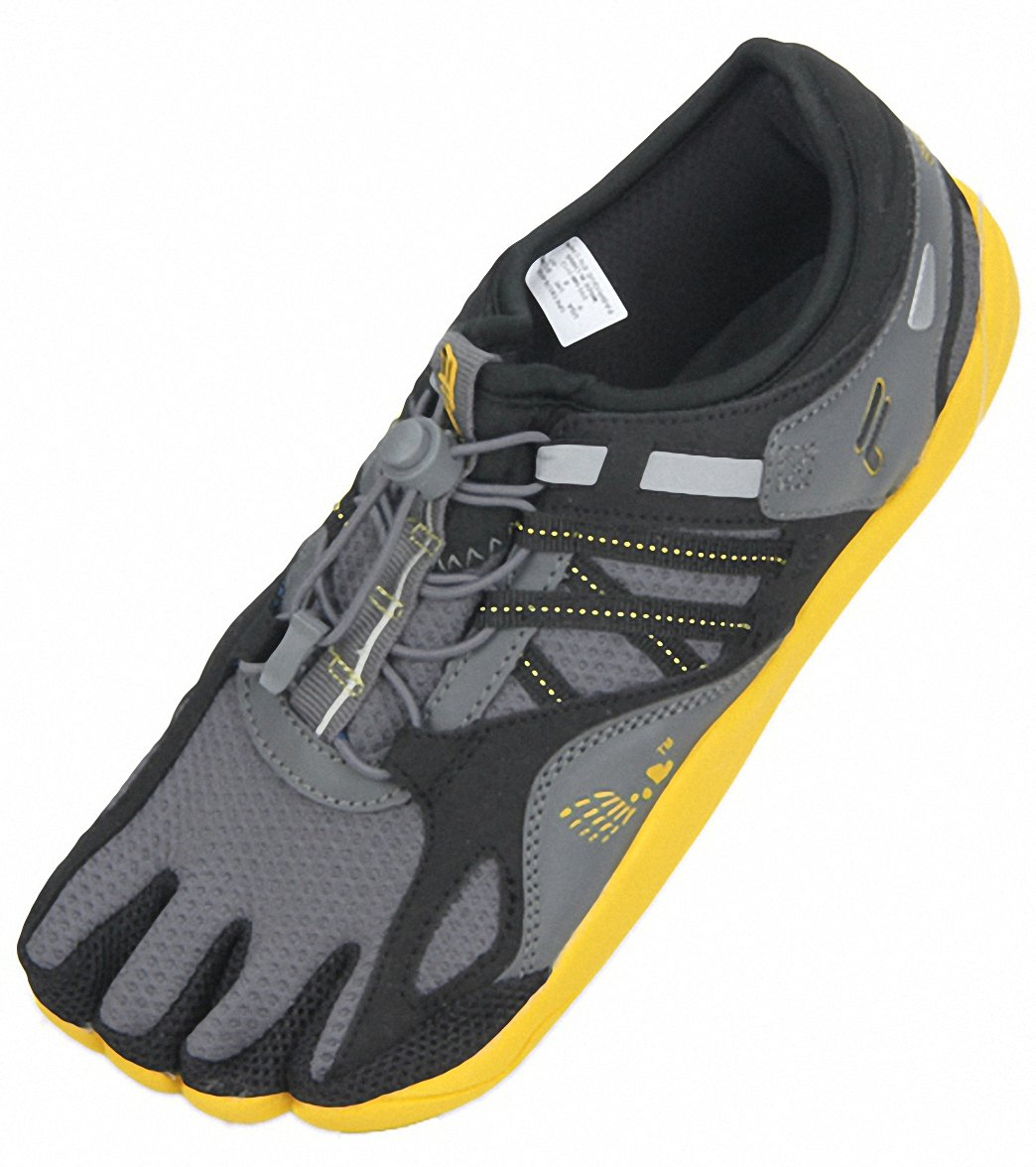 ef567607c5 Fila Men's Skele-Toes Bay Runner 3 Running Shoes at SwimOutlet.com - Free  Shipping