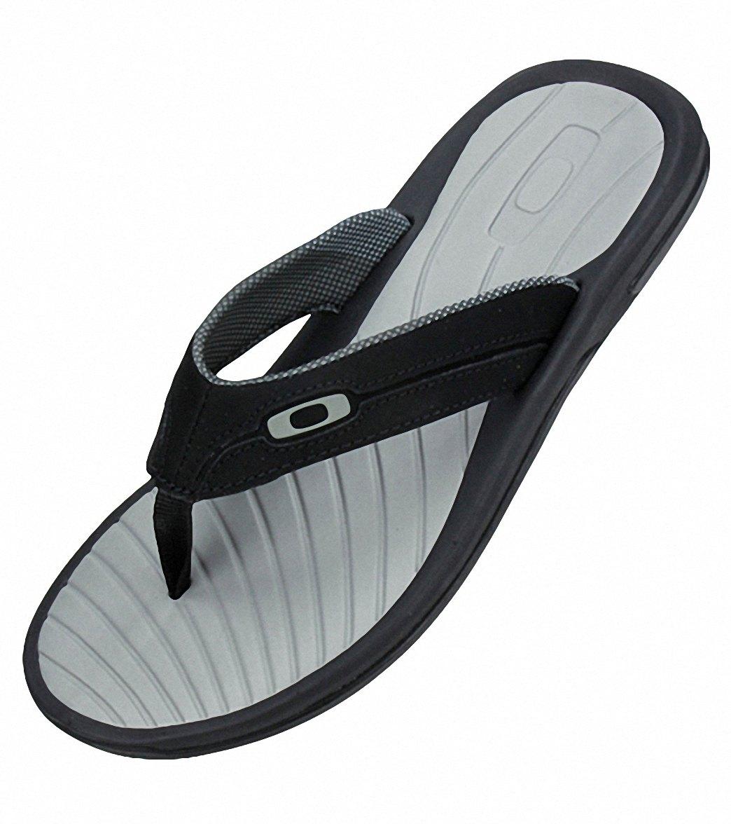 4275c043dda40 Oakley Men s Dune Sandals at SwimOutlet.com