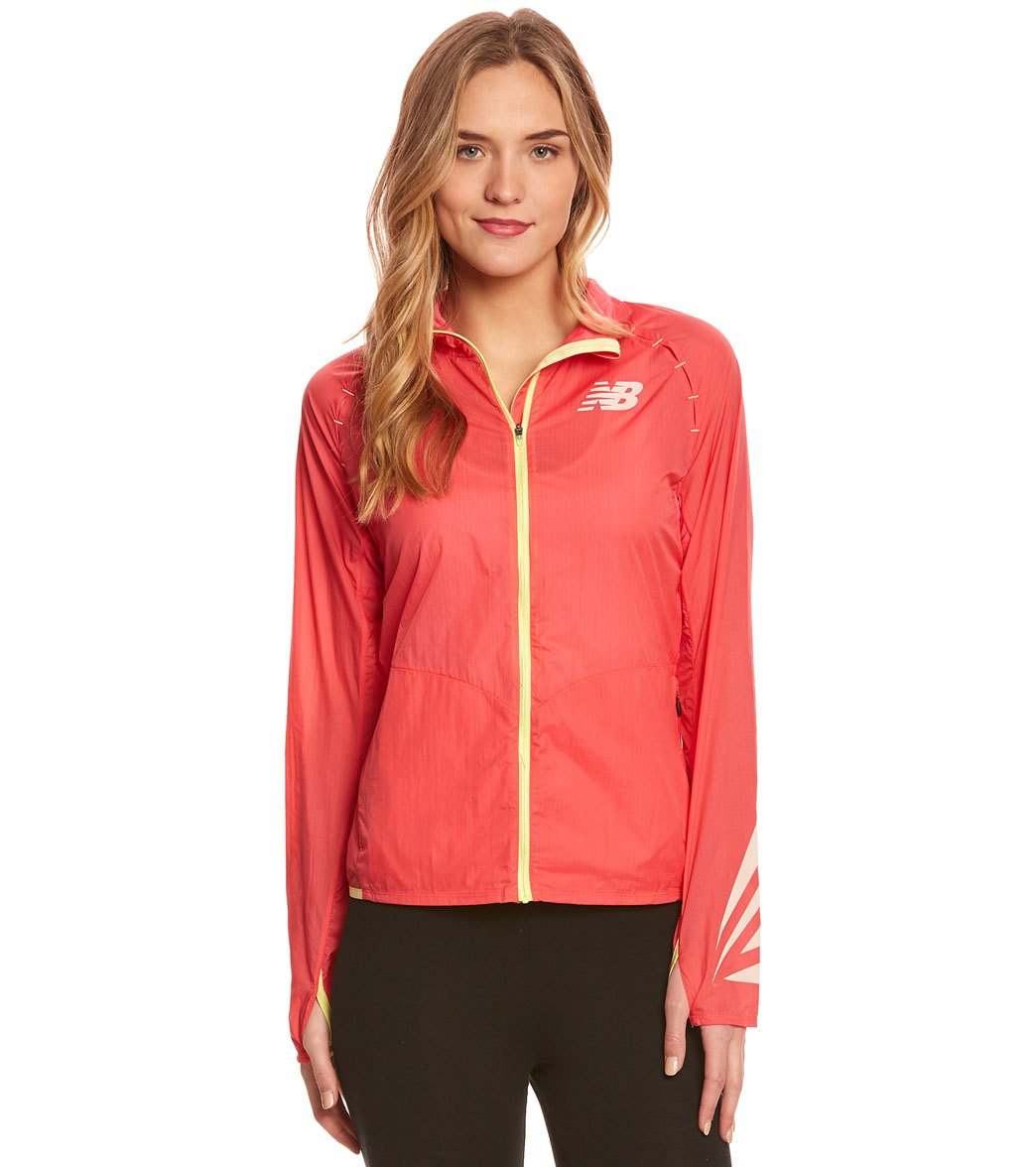 erupción Parpadeo gatito  New Balance Women's Boylston Running Jacket at SwimOutlet.com - Free  Shipping