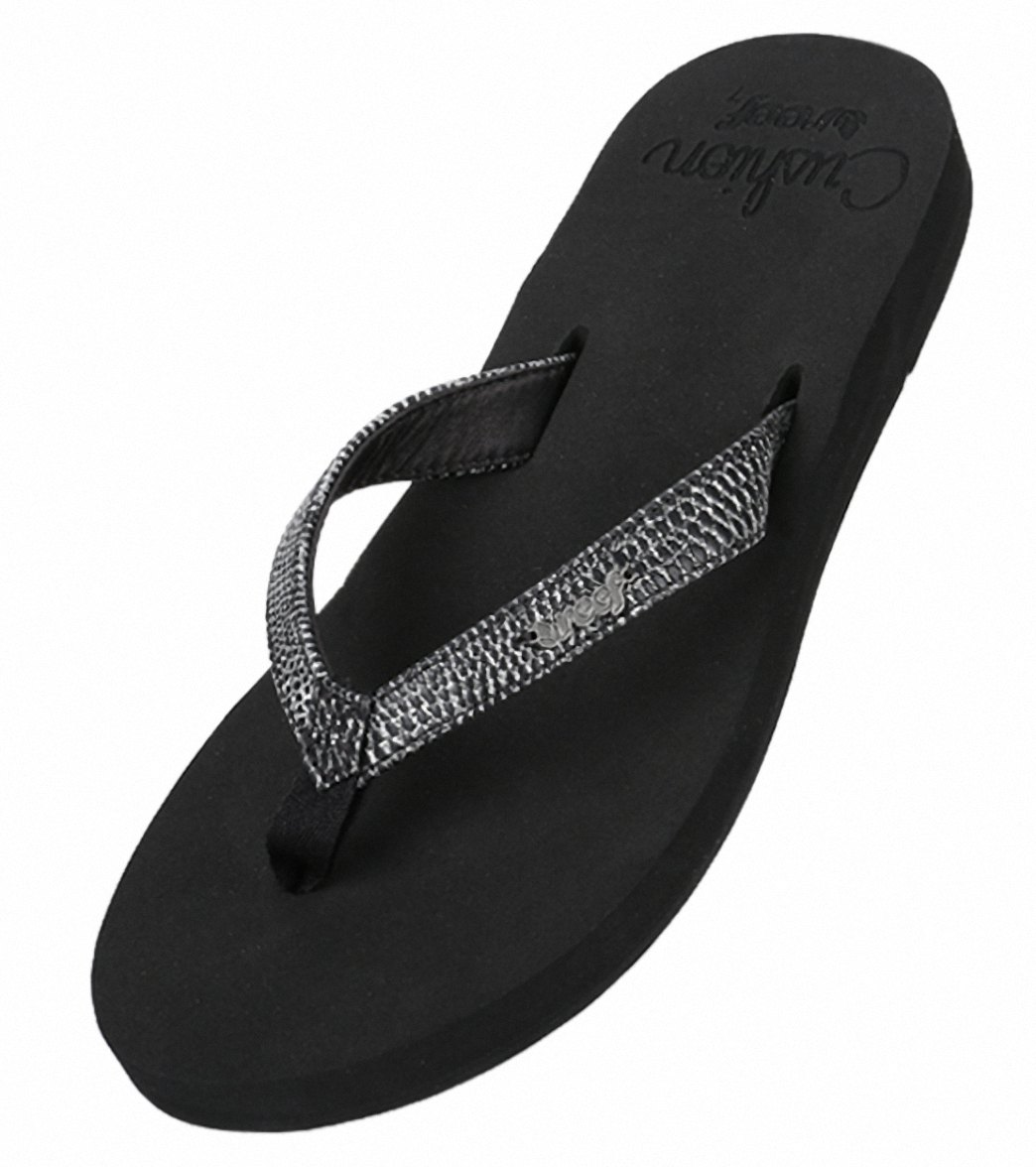 Reef Women s Star Cushion Sassy Flip Flop at SwimOutlet.com c3e68913e791