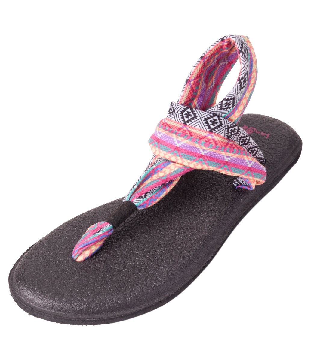 Sanuk Kids Lil Yoga Sling 2 Prints Sandal /& Beach Mat Beach Bundle