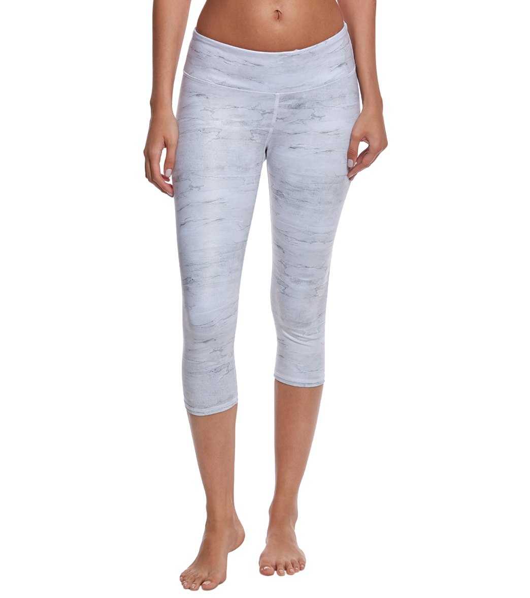 0d7c3828393a4 Alo Yoga Printed Airbrush Yoga Capris at YogaOutlet.com - Free Shipping