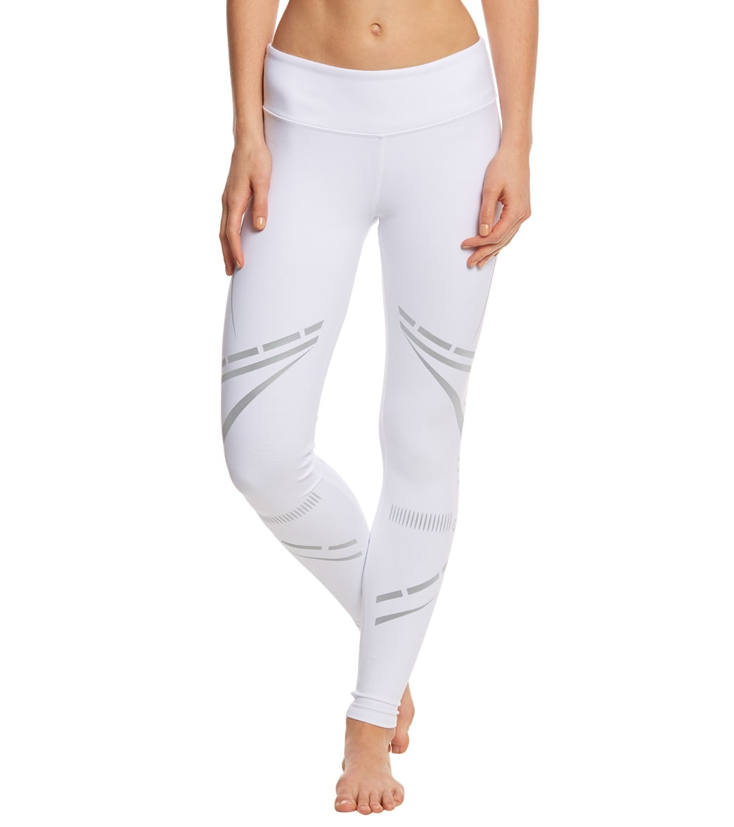 ac15e50bc8da9 Alo Yoga Airbrush Yoga Leggings at YogaOutlet.com - Free Shipping