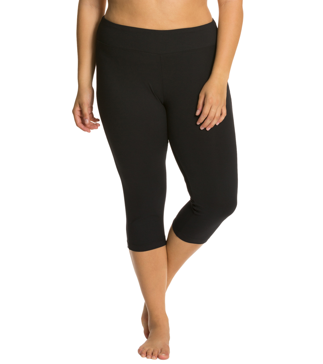 1a1d2120a2e8ca Marika Plus Size Flat Waisted Yoga Capris at YogaOutlet.com