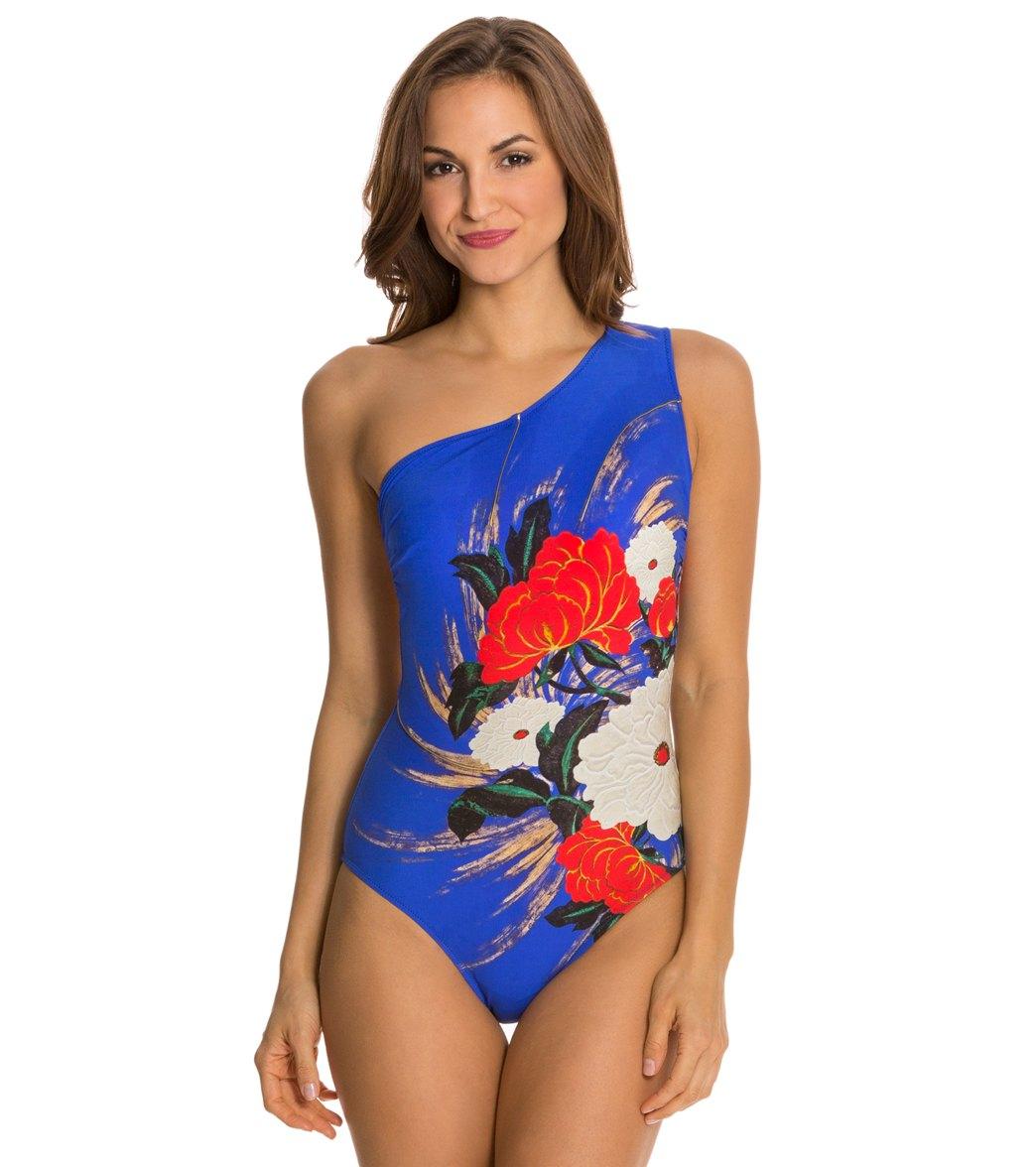 282d540b6b526 ... Gottex Mandarin One Shoulder One Piece Swimsuit Play Video. MODEL  MEASUREMENTS
