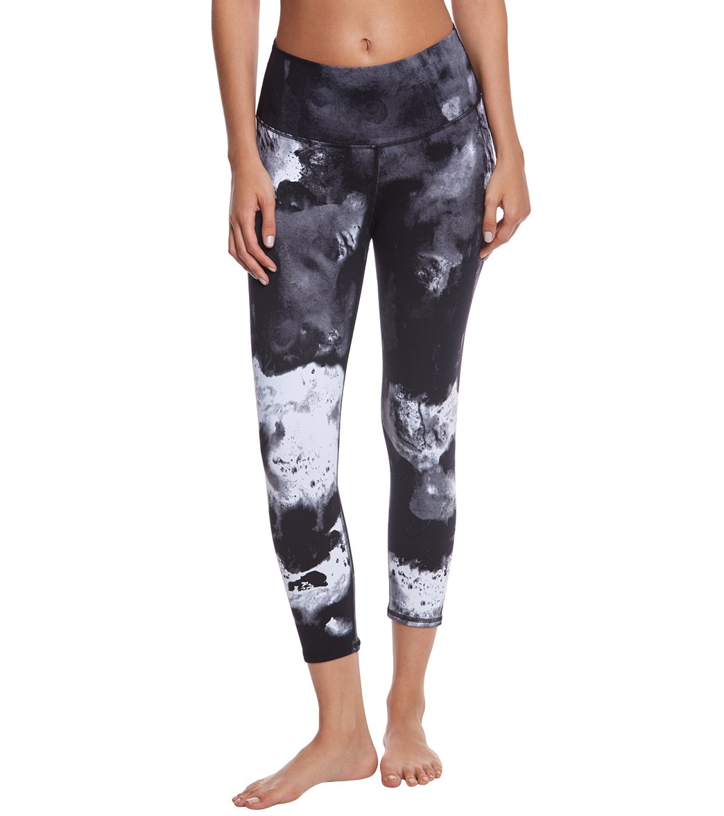 Alo Yoga Printed High Waist Airbrush Yoga Capris at YogaOutlet.com ...