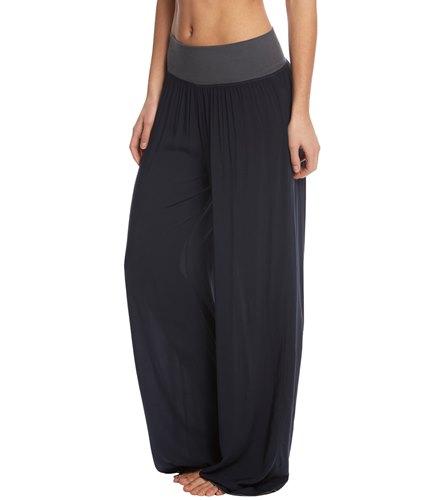 Hard Tail Flat Waist Wide Leg Yoga Pants at YogaOutlet.com - Free ...