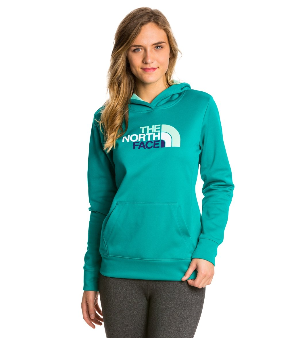 51a9f3089 The North Face Women's Fave Half Dome Pullover Hoodie at SwimOutlet.com -  Free Shipping