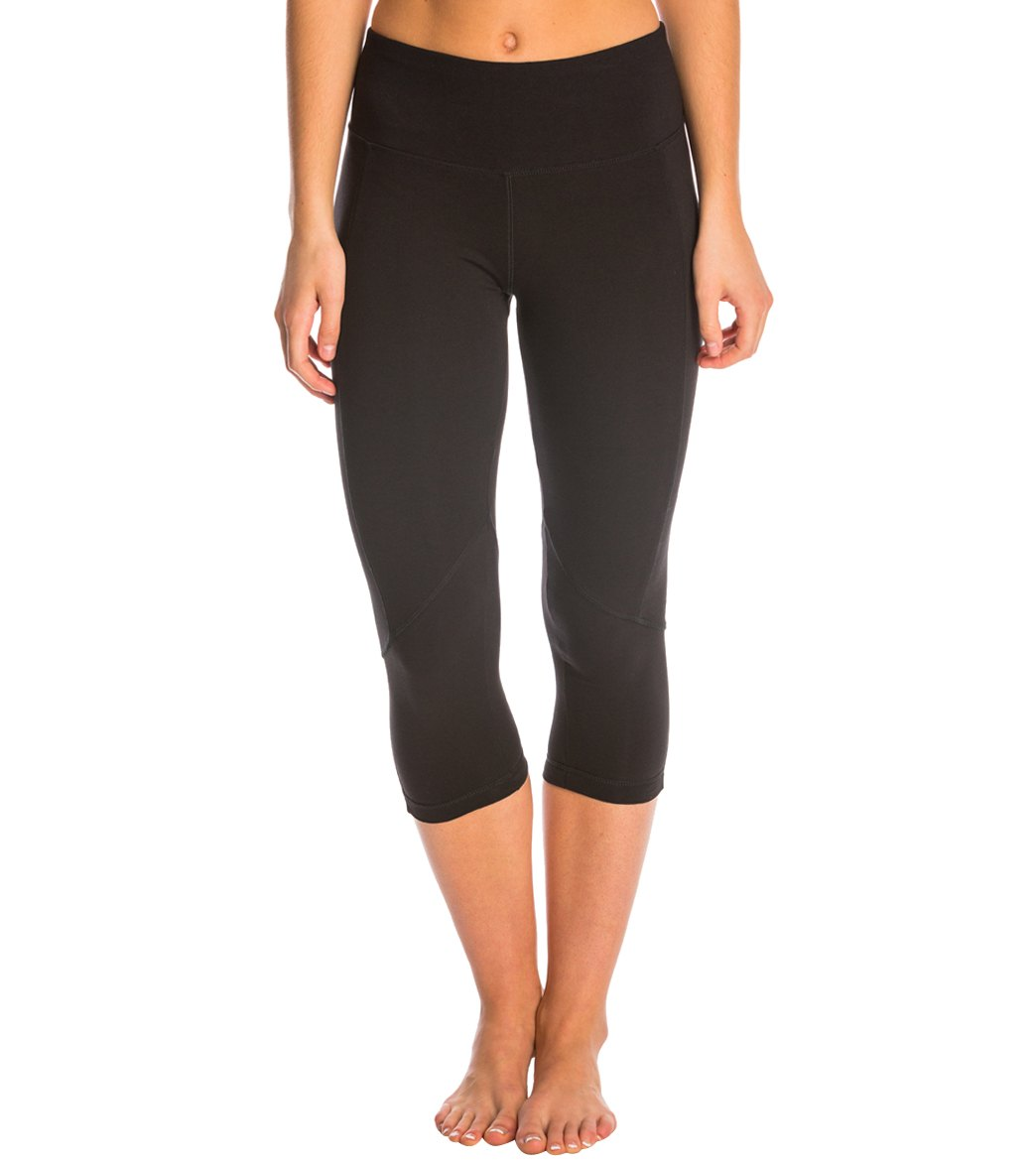 ed1c88ee9435fc Marika Carrie Ultimate Slimming Cotton Yoga Capris at YogaOutlet.com ...