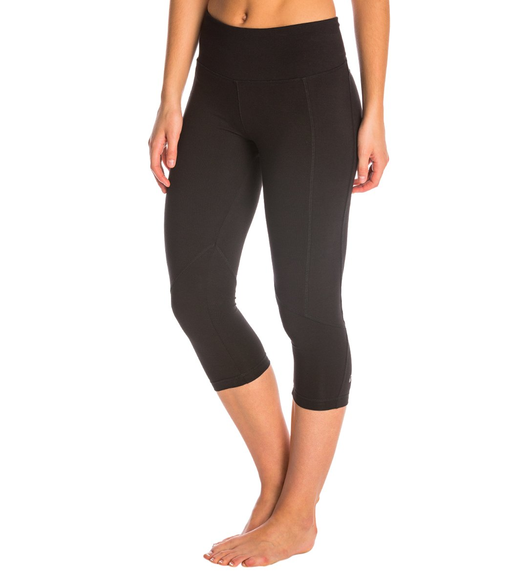 87dac78865f1c1 Marika Carrie Ultimate Slimming Cotton Yoga Capris at YogaOutlet.com ...