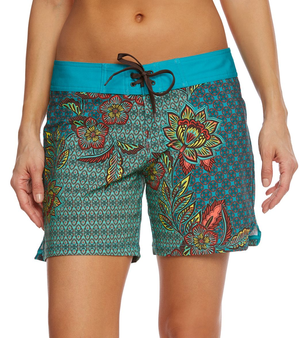 ba8cb6a9c2 ... prAna Women's Fleur D'Amour Makenna Boardshort. Play Video. MODEL  MEASUREMENTS