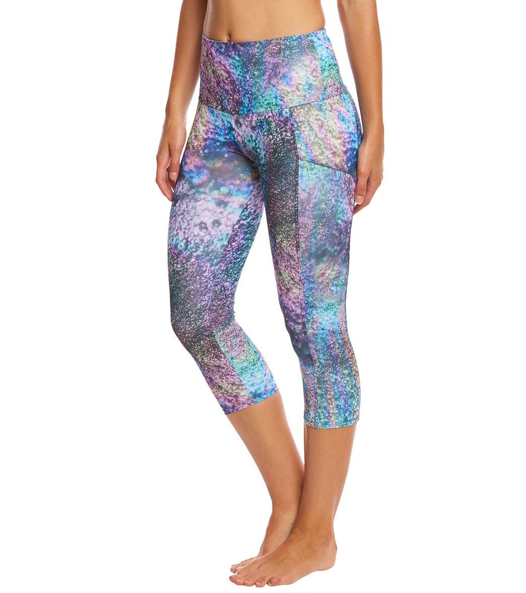 Onzie Stunner Yoga Capri Leggings at YogaOutlet.com - Free Shipping