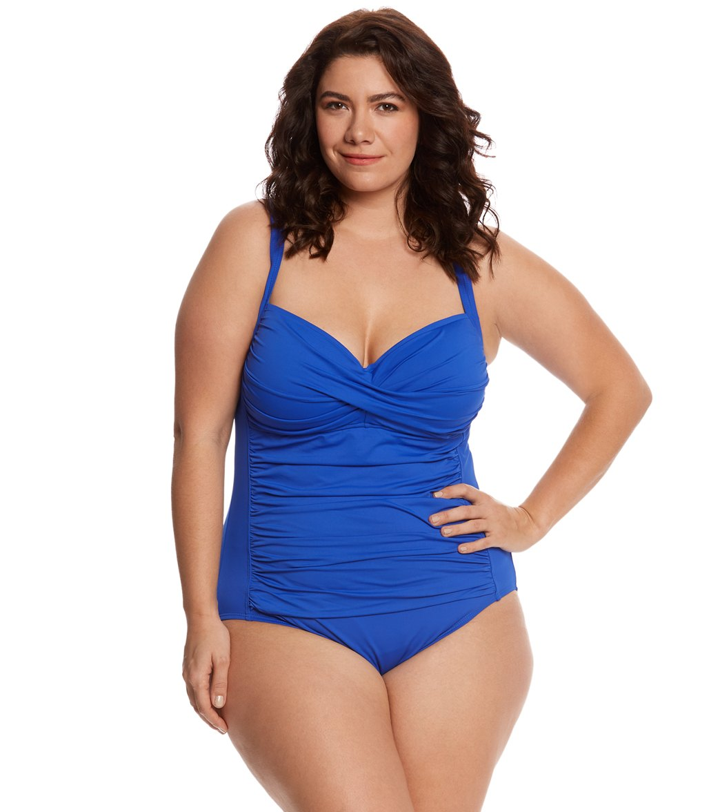 48e335ea27052 ... La Blanca Plus Size Island Goddess Sweetheart One Piece Swimsuit Play  Video. MODEL MEASUREMENTS
