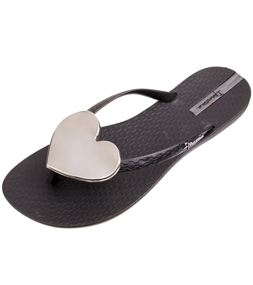 91a2270f6e45 Ipanema Women s Wave Heart Flip Flop at SwimOutlet.com