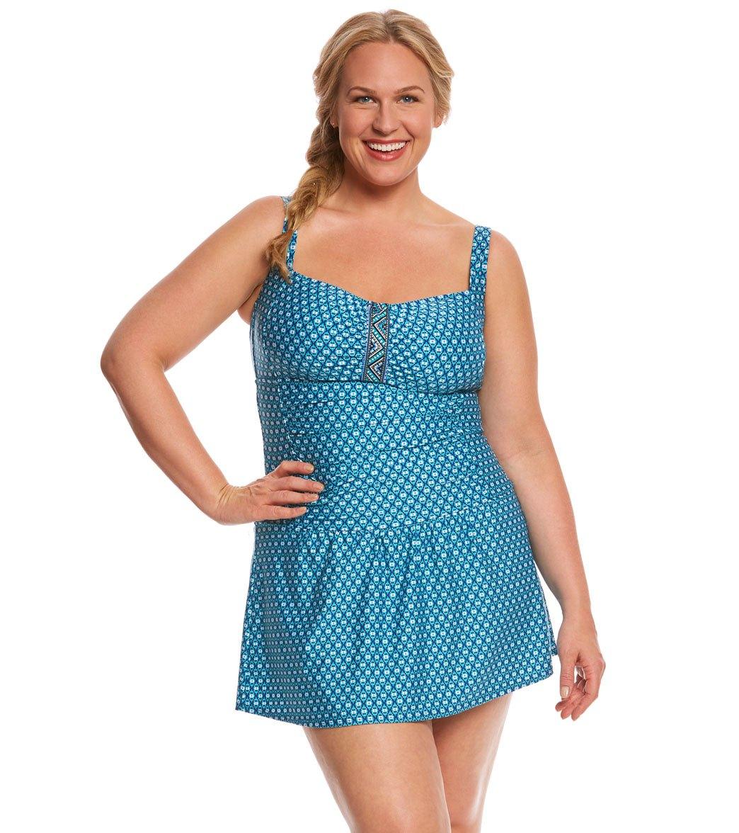 5659eb5eda8 ... Jantzen Plus Size Wow Factor Swim Dress Play Video. MODEL MEASUREMENTS