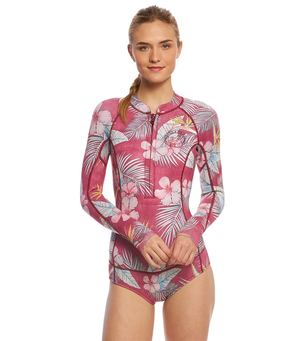 ea844d4e77 ... Billabong Women s 2mm Mas Tropical Salty Dayz Chest Zip Long Sleeve  Spring Suit Wetsuit Play Video. MODEL MEASUREMENTS