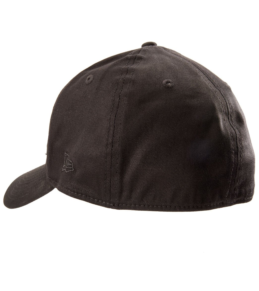 Oakley Men s Tinfoil Cap Hat at SwimOutlet.com fcca128203f5
