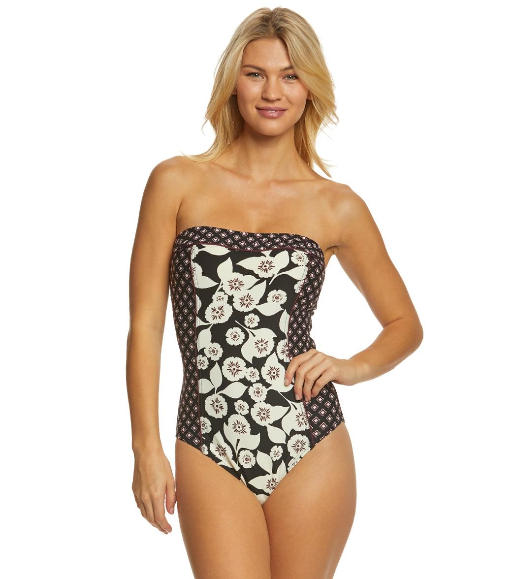 726cbd80c6d ... Kate Spade New York Aliso Beach Bandeau One Piece Swimsuit. Play Video.  MODEL MEASUREMENTS