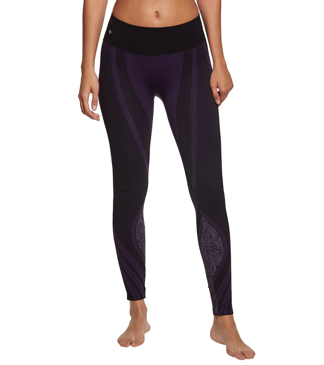 285ba5d4e8004 NUX Vera Seamless Yoga Leggings at YogaOutlet.com - Free Shipping