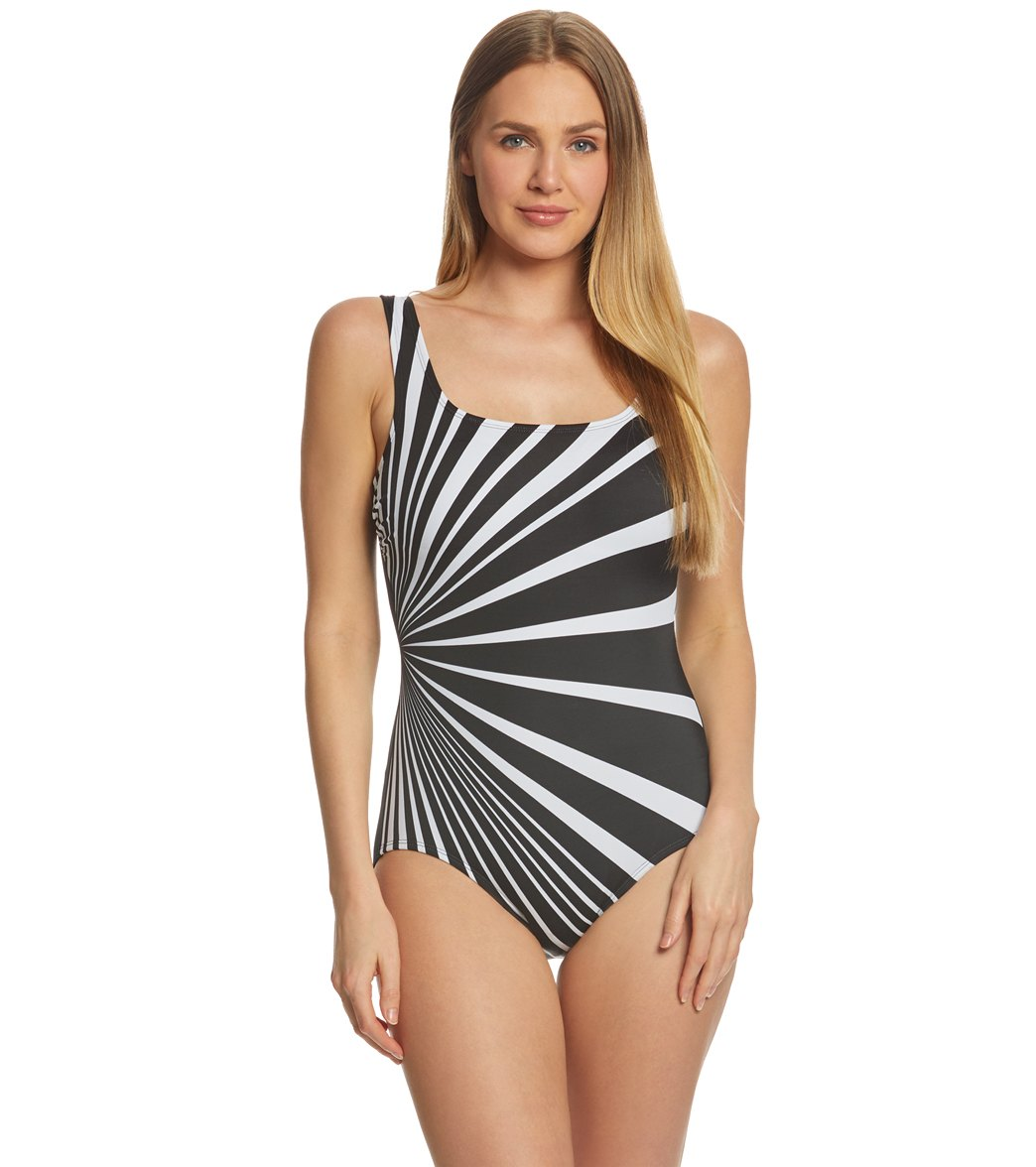 41dfadff55449 Reebok Dynamic Moves Women's Scoop Back Chlorine Resistant One Piece  Swimsuit at SwimOutlet.com - Free Shipping