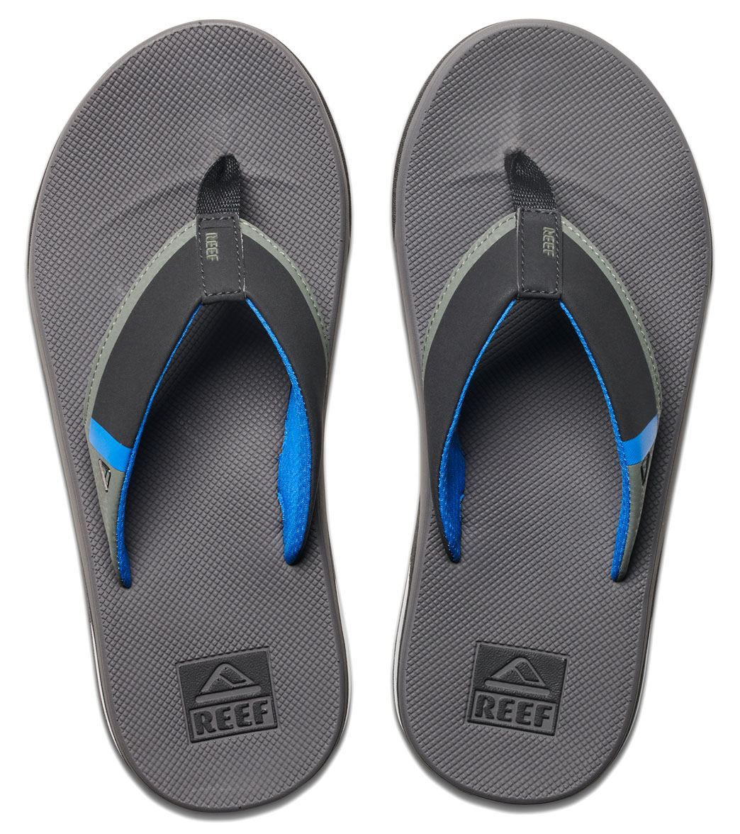 ea5949273745 Reef Men s Fanning Low Flip Flop at SwimOutlet.com - Free Shipping