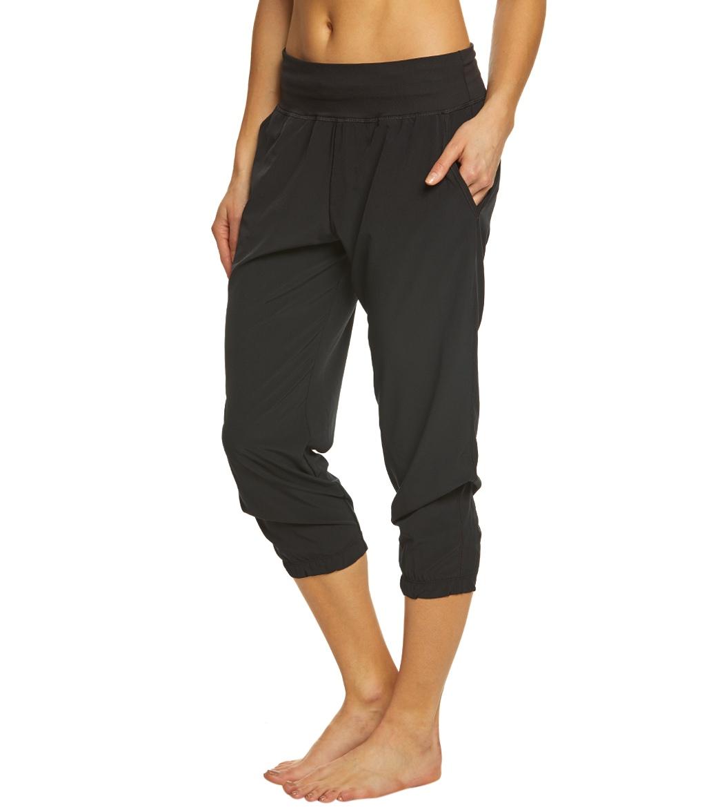 Under Armour Women s UA HeatGear Sunblock 50 Pants at SwimOutlet.com - Free  Shipping f3b0bfbf4e
