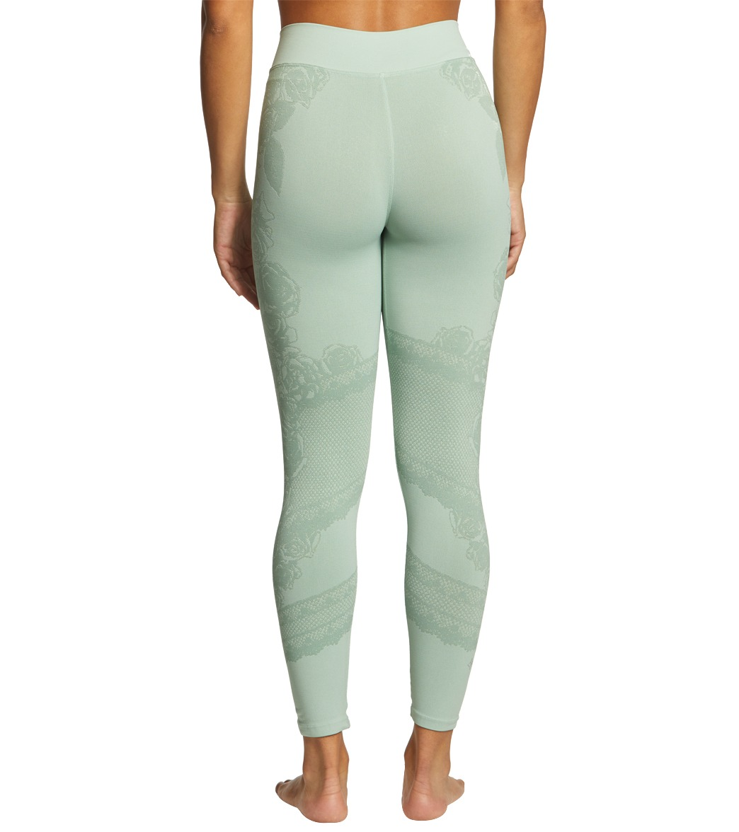 f804bc79963cb NUX Eden Seamless 7/8 Yoga Leggings at YogaOutlet.com - Free Shipping