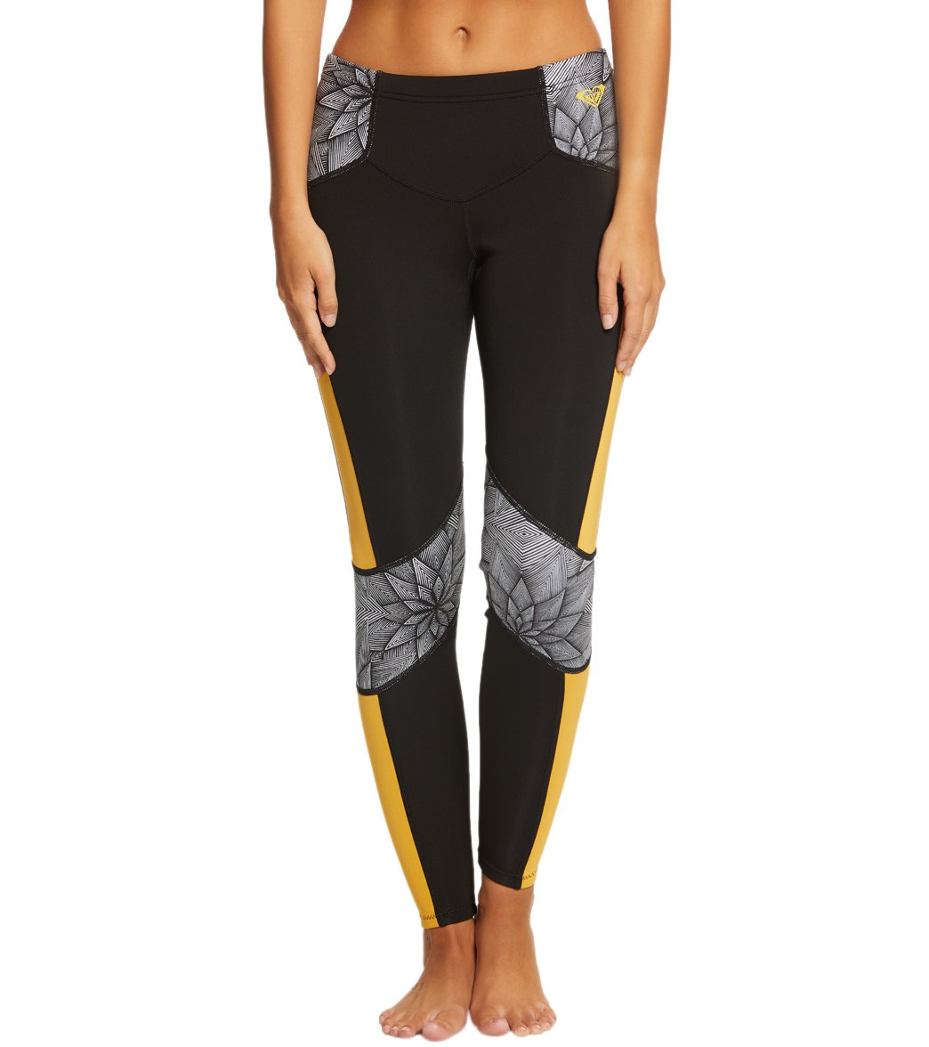 d82a4cf8998082 Roxy Women's 1MM Pop Surf Scallop Surf Leggings at SwimOutlet.com - Free  Shipping