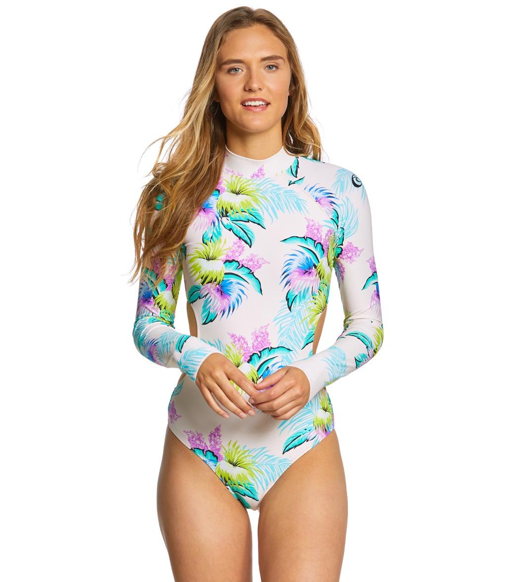 ... Rip Curl Women s Ophelia Surf Suit Play Video. MODEL MEASUREMENTS b5a9d41477