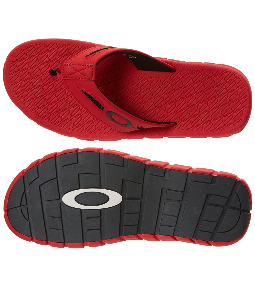 798211bf56 Oakley Men s Operative 2.0 Flip Flop at SwimOutlet.com