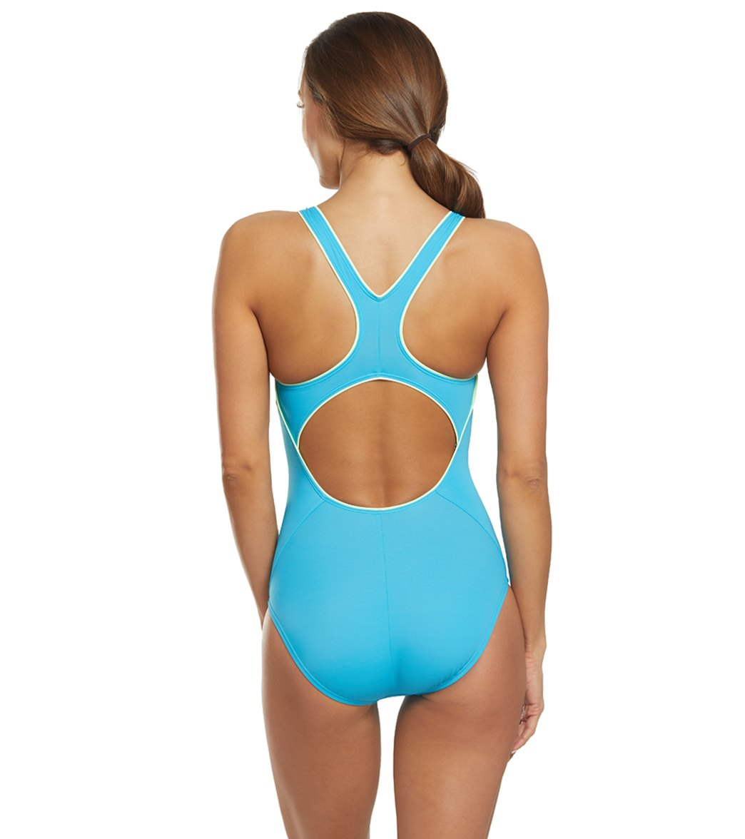 b7029d1bc663 Nike Women's Solid Powerback Chlorine Resistant One Piece Swimsuit at  SwimOutlet.com - Free Shipping