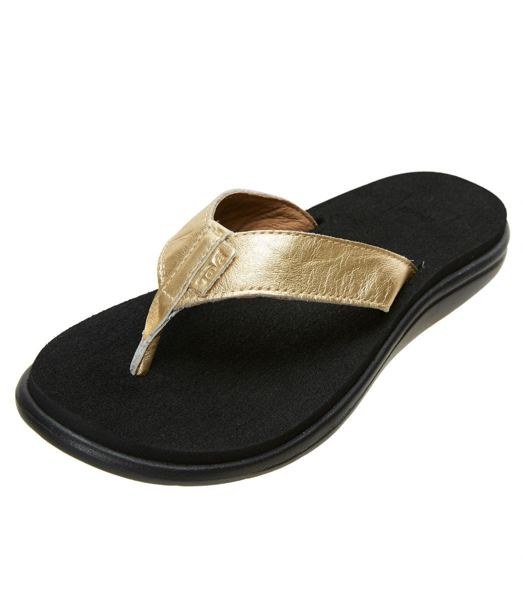 988a8a0f7 Teva Voya Flip Metallic Sandal at SwimOutlet.com