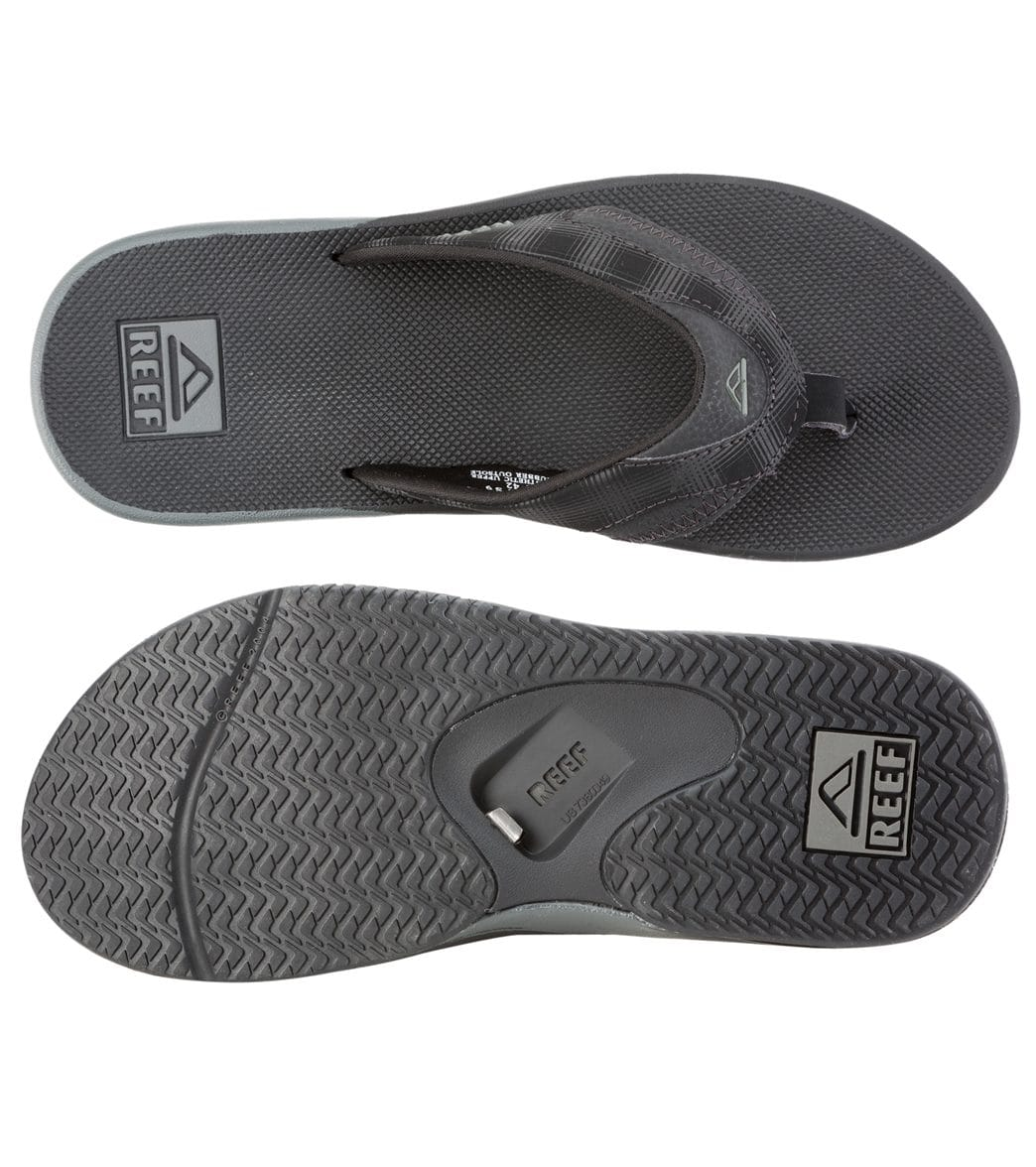 7a44486d3136 Reef Men s Fanning Prints Flip Flop at SwimOutlet.com - Free Shipping